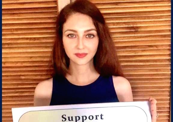 Saumya Tandon extends helping hand to raise funds for safety kits.