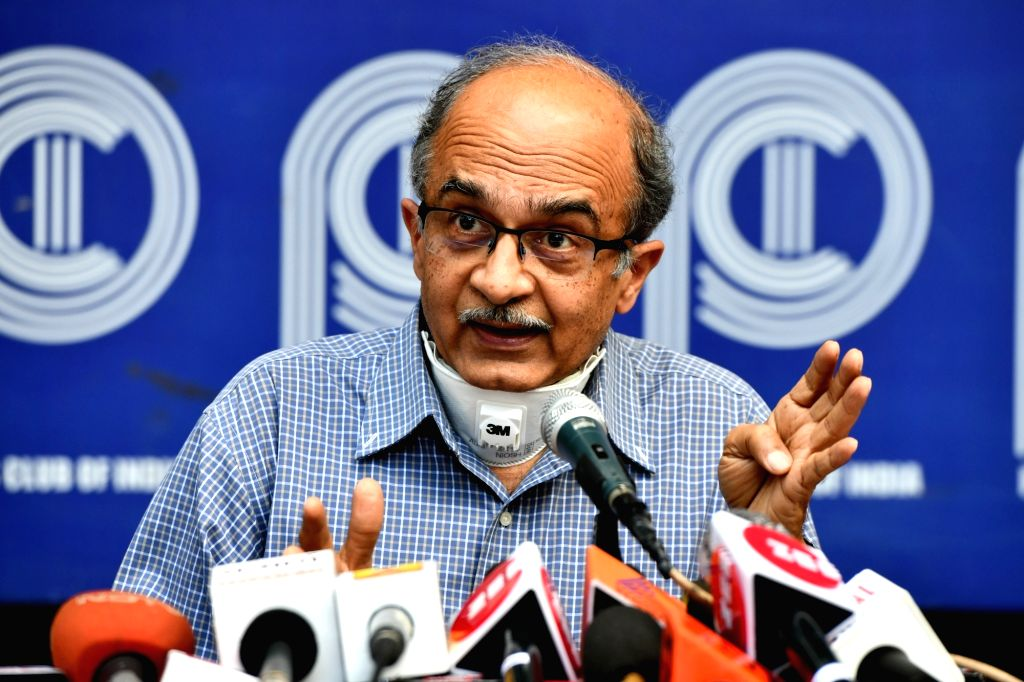 SC asks AG to help in 2009 contempt case against Bhushan