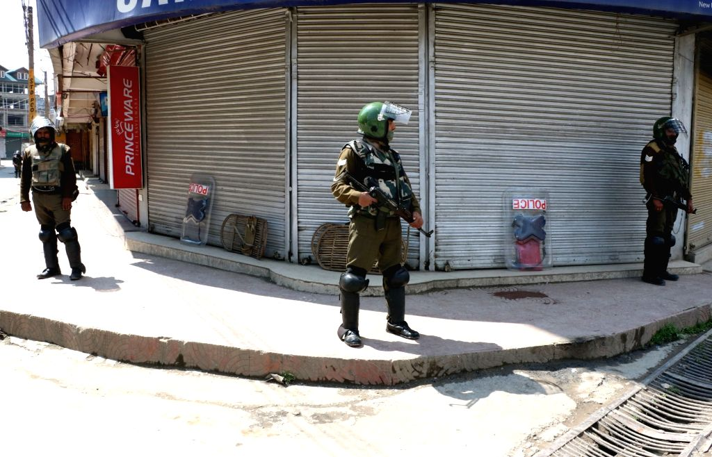 SC limits its concern to find balance between liberty & security of J&K people