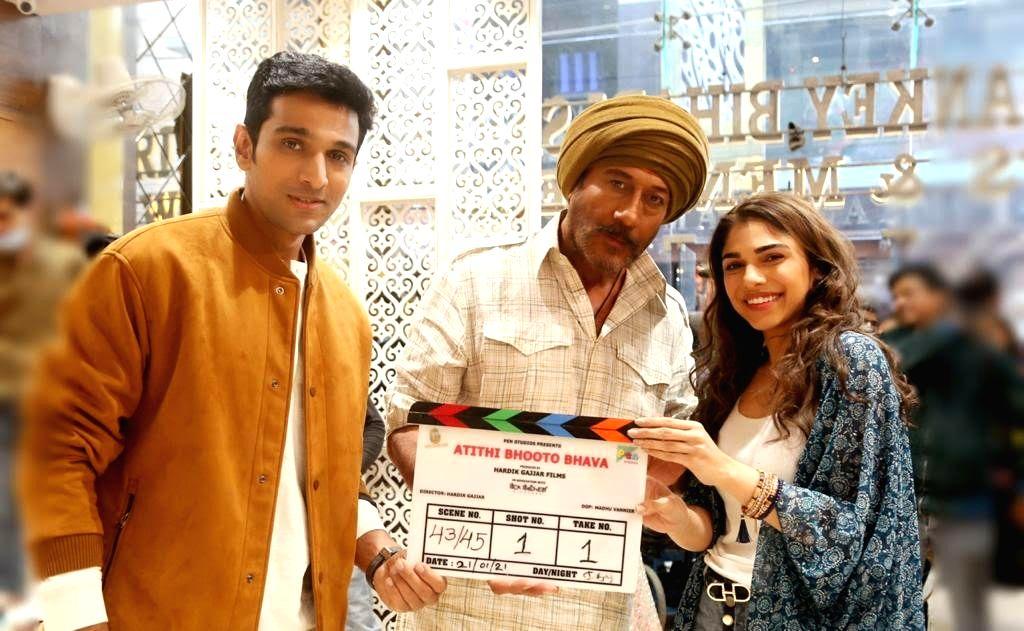 'Scam 1992' star Pratik Gandhi completes 'Atithi Bhooto Bhava' shoot - Pratik Gandhi