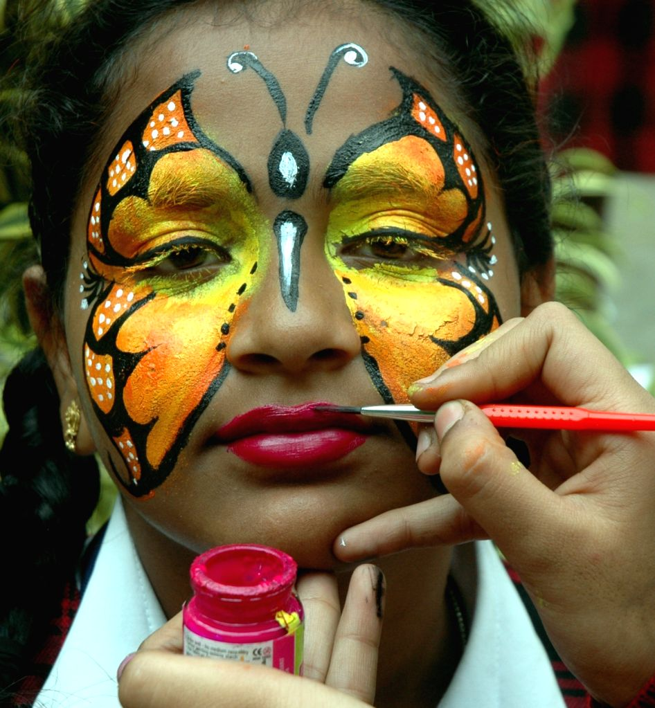 "School children participate in Inter School ""TIGER FEST"" - a part of save tiger campaign in Bengaluru, on Jan 20, 2016."