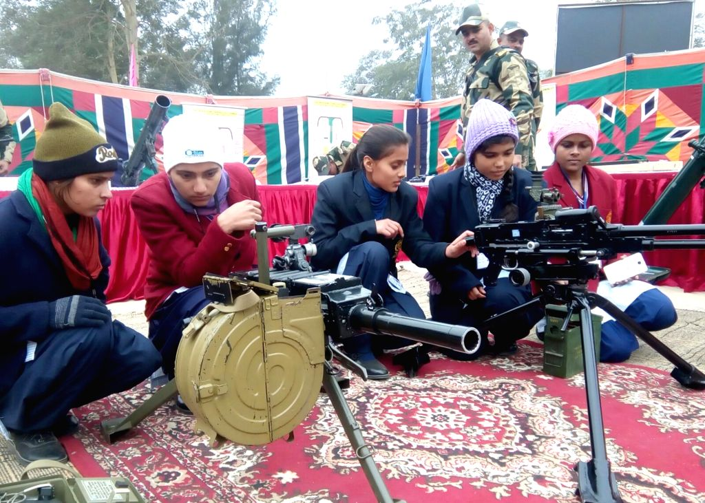 School students at the Seema Darshan weapons exhibition organised by BSF in Amritsar, on Jan 23, 2016.
