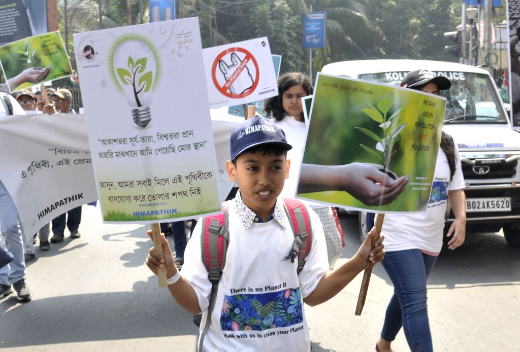 """School students participate in """"Save Environment, Save Earth"""" awareness rally, in Kolkata on Feb 9, 2020."""