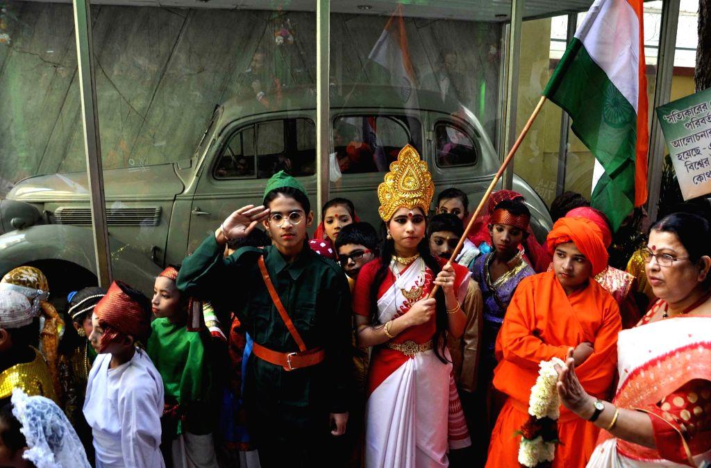School students participates in a rally on the occasion of birth anniversary of Netaji Subhash Chandra Bose in Kolkata on Jan 23, 2016.