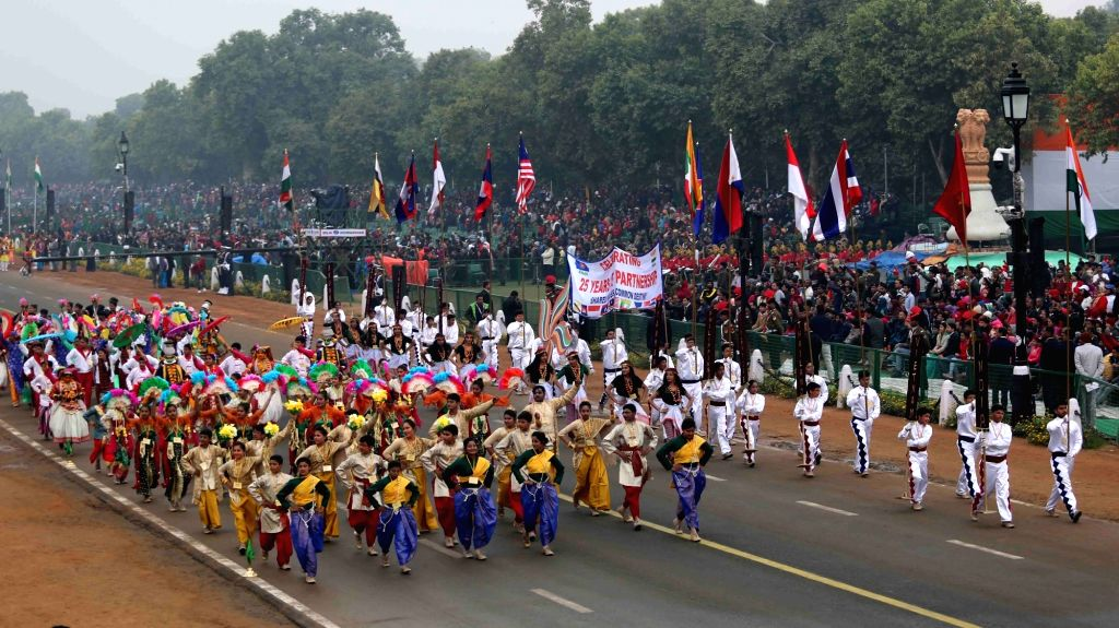 School students perform at Rajpath during the full dress rehearsal for the Republic Day Parade 2018, in New Delhi Jan 23, 2018.