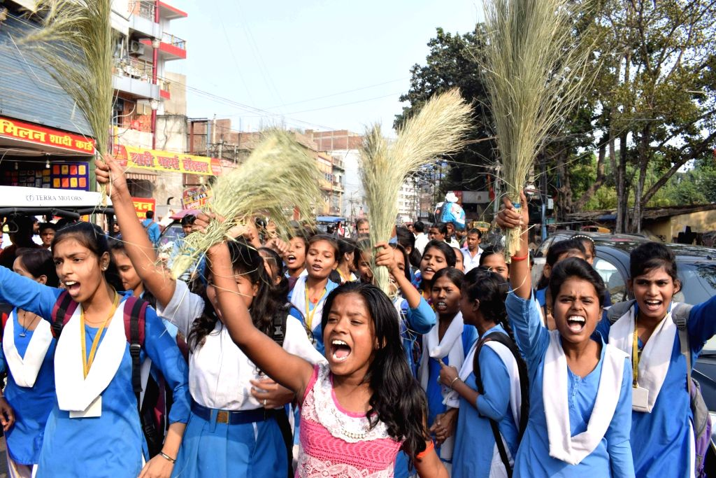 School students stage a demonstration to press for their demands in Patna on Nov 30, 2018.