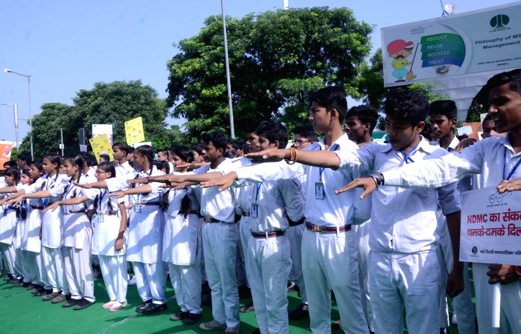 School students take Swachhata pledge as part of the 'Swachhata Hi Seva Movement', in New Delhi on Sept 15, 2018.