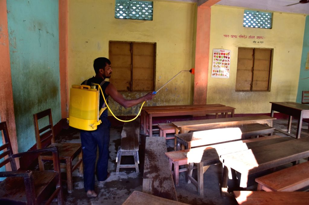 Schools partially reopen in Karnataka after gap of 10 months (Photo: IANS)