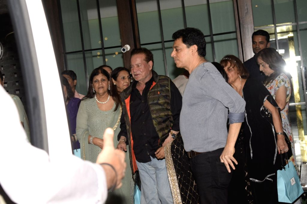 Screenwriter Salim Khan at Salma Khan's birthday party hosted by Arpita Khan Sharma in Mumbai, on Dec 7, 2018. - Salim Khan, Salma Khan and Arpita Khan Sharma