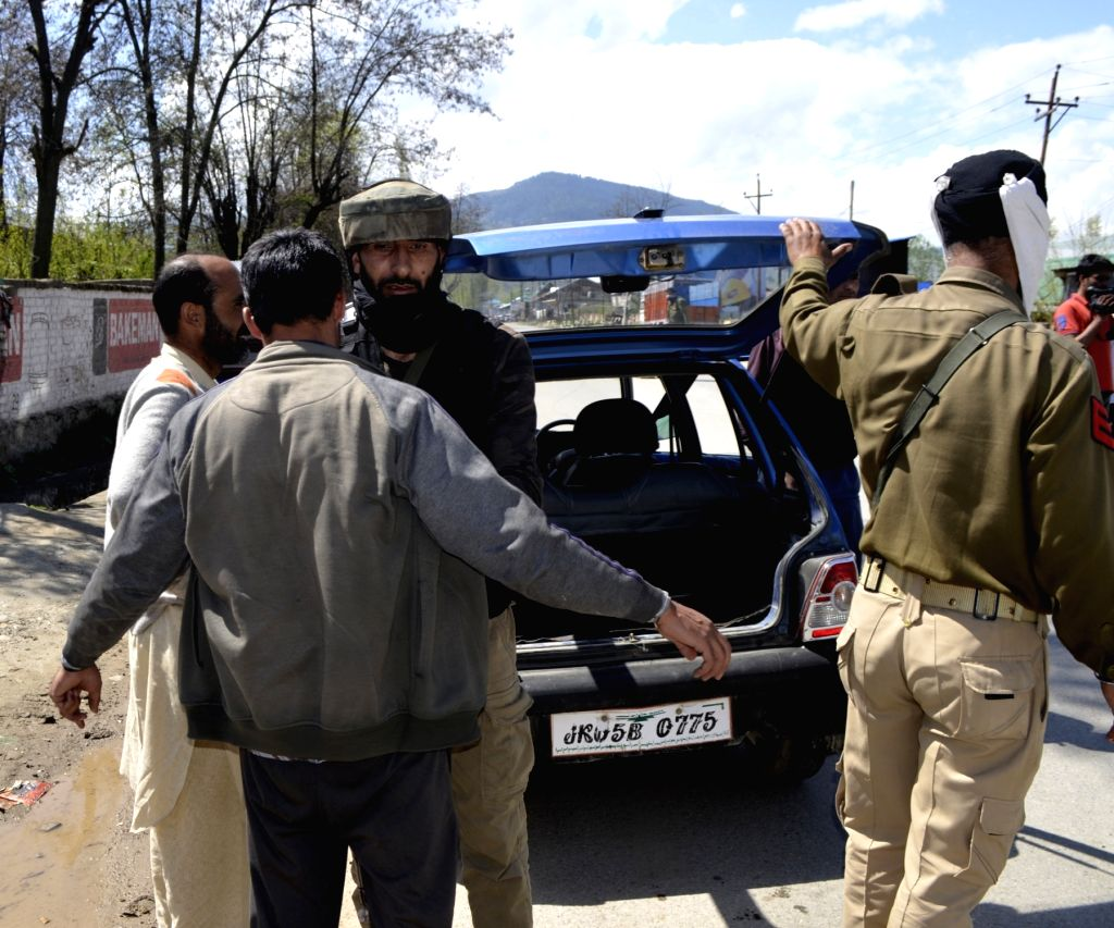Security beefed up ahead of the 2019 Lok Sabha polls, in Baramulla, on April 10, 2019.