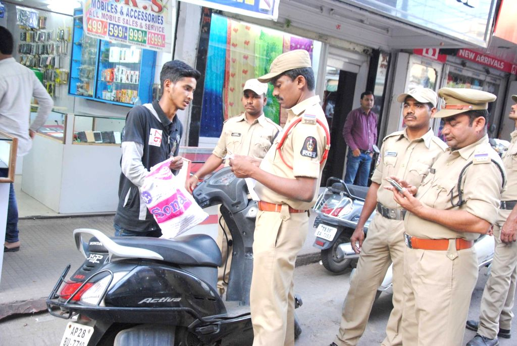 Security beefed-up in Hyderabad on the eve of Independence Day on Aug 14,2016.