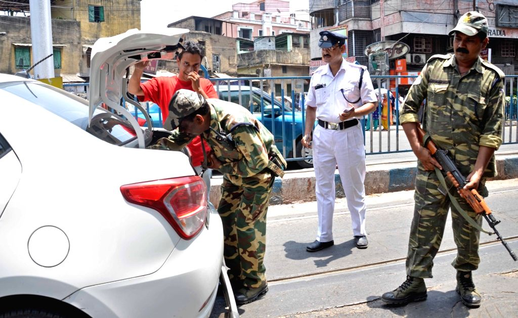 Security beefed up in Kolkata ahead of the third phase of West Bengal Legislative Assembly polls in Kolkata on April 20, 2016.