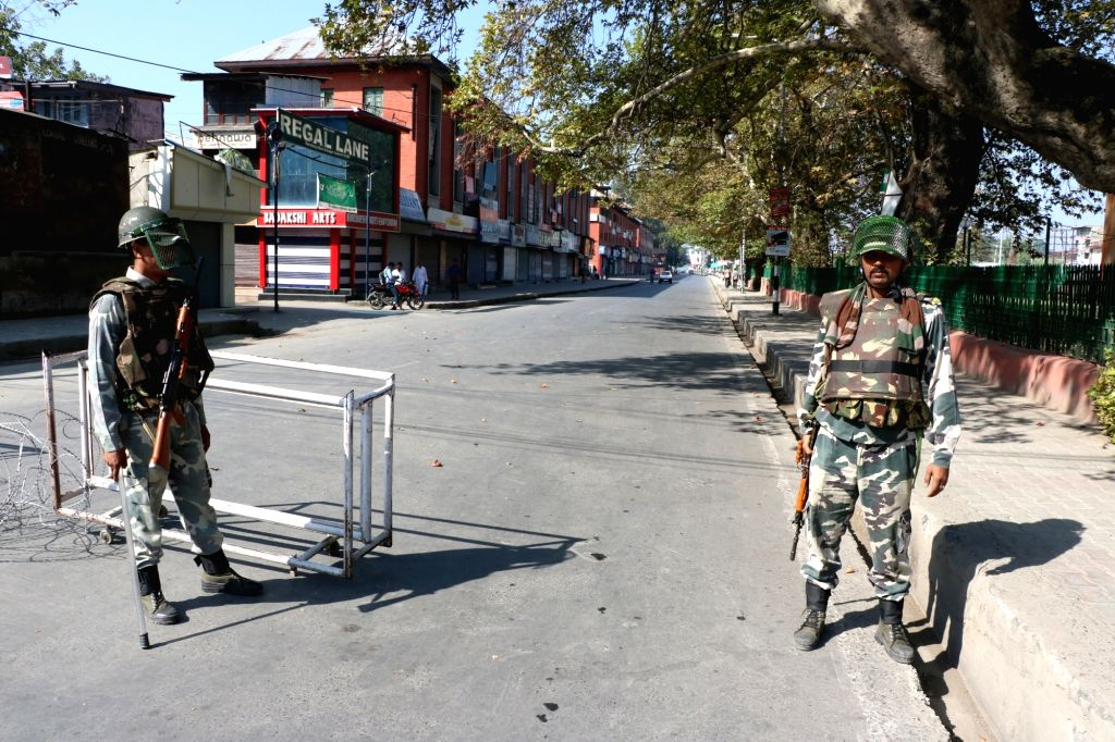 Security personnel deployed on Srinagar roads as authorities have imposed curfew in all the 10 districts of the Kashmir Valley on Sept 17, 2016.