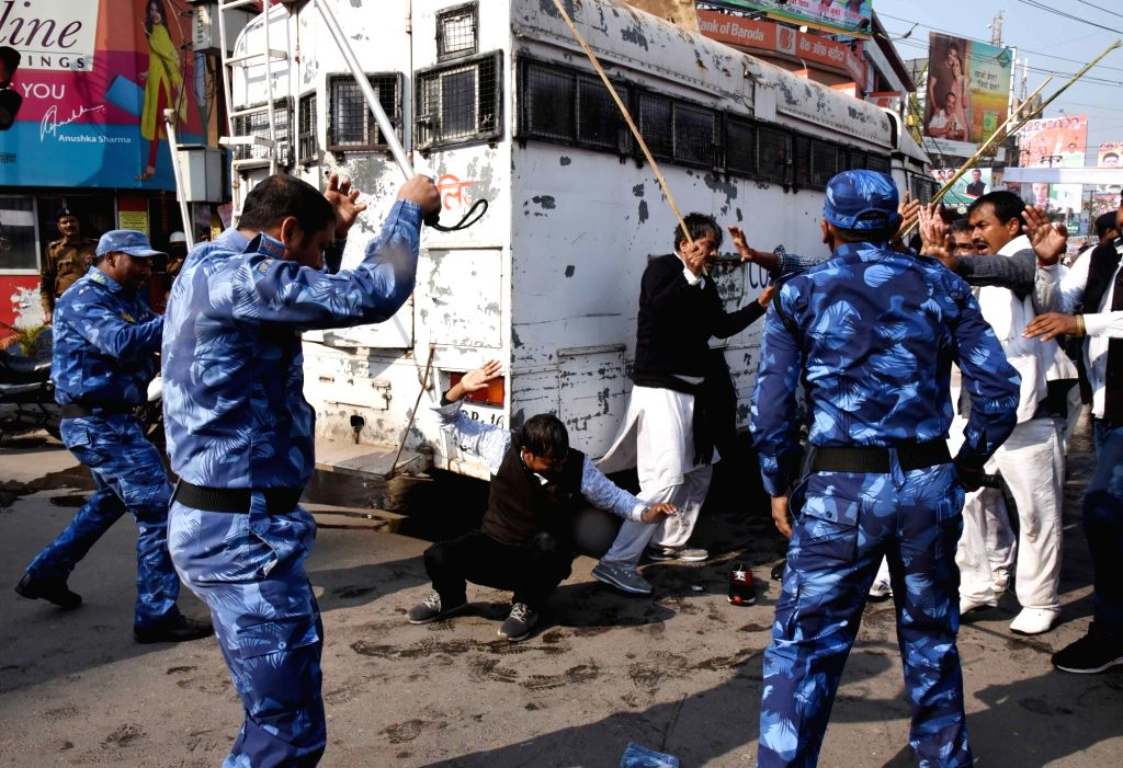 Security personnel resorts to lathi-charge to control the crowd, who are staging demonstration to press for their demands in Patna, on Feb 2, 2019.