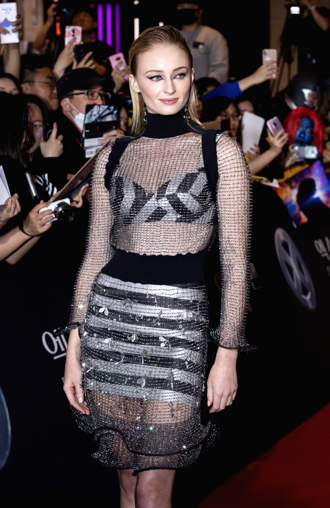 "SEOUL, May 28, 2019 (Xinhua) -- Actress Sophie Turner attends a red carpet event to promote the movie ""X-Men: Dark Phoenix"" in Seoul, South Korea, May 27, 2019. The movie will be released in South Korea on June 5. (Xinhua/Lee Sang-ho/IANS) - Sophie Turner"