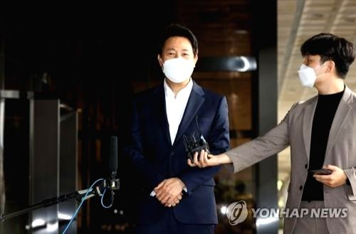 Seoul mayor Oh Se-hoon questioned for 14 hours over allegations of election law violation