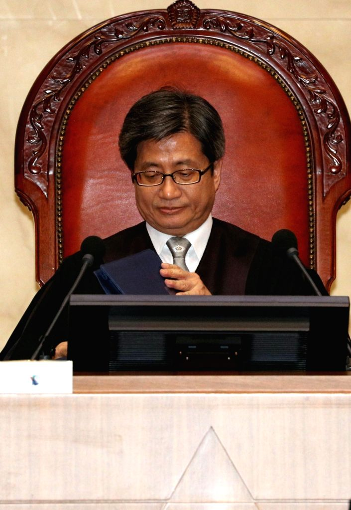 Seoul: Supreme Court Chief Justice Kim Myeong-su is seated at a verdict hearing at the court in Seoul on Aug. 29, 2019, over a string of allegations, including bribery and abuse of power, that involve former President Park Geun-hye, her friend Choi S