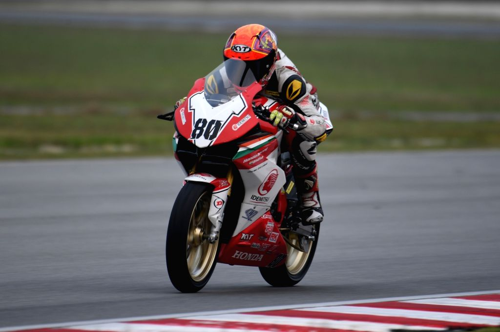 Sepang Circuit: IDEMITSU Honda Racing India team's riders Rajiv Sethu in action during Race 1 in Round 6 of FIM Asia Road Racing Championship (ARRC) at Sepang International Circuit in Malaysia on Sep 21, 2019. (Photo: IANS)