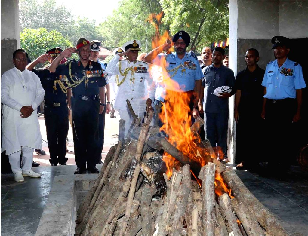 Service Chiefs: Air Chief Marshal B.S. Dhanoa, General Bipin Rawat and Admiral Sunil Lanba give last salute to Marshal of the Indian Air Force (IAF) Arjan Singh at Brar Square crematorium, ... - Arjan Singh
