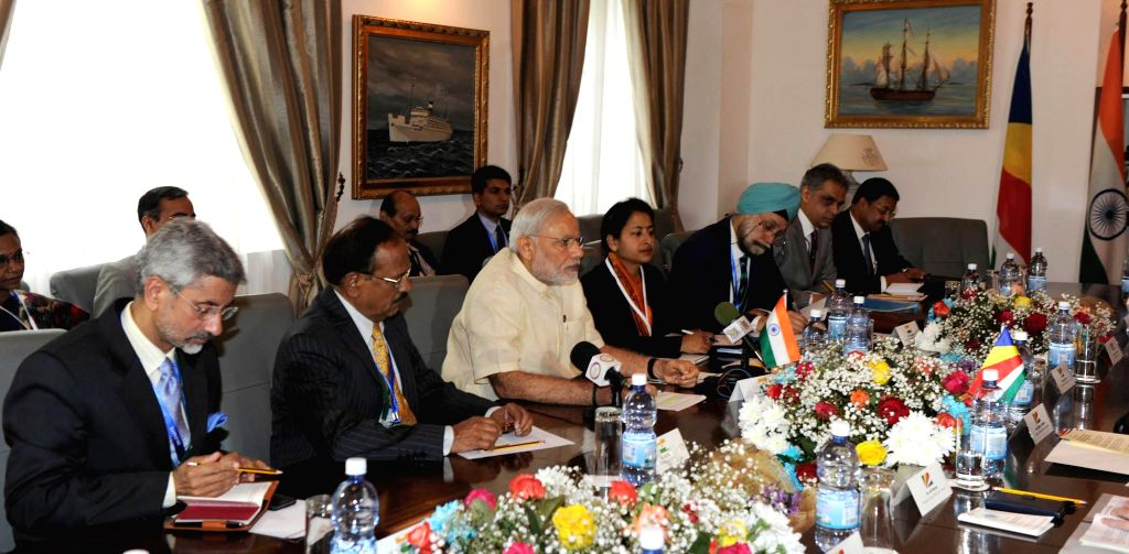 Mahe: Prime Minister Narendra Modi during delegation level talks, in Seychelles on March 11, 2015. Also seen Foreign Secretary S Jaishankar. - Narendra Modi