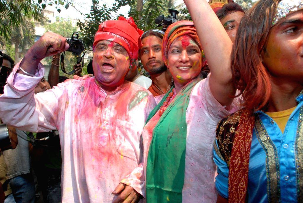 Shabana Azmi & Javed Akhtar Holi Party