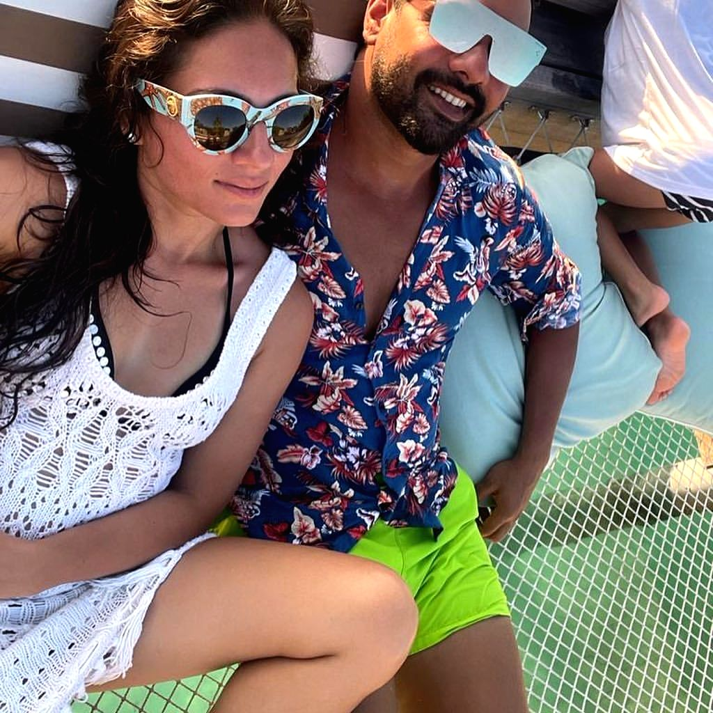 Shabir Ahluwalia's birthday greeting to wife Kanchi Kaul: You are a box full of surprises.