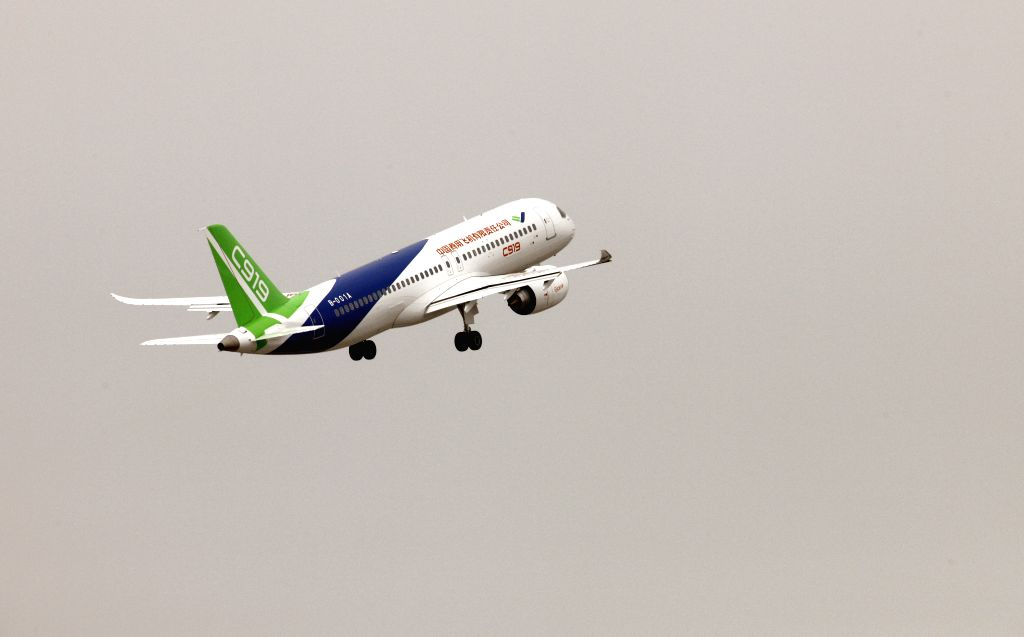 SHANGHAI, May 5, 2017 - China's homegrown large passenger plane C919 makes its maiden flight in Shanghai, east China, May 5, 2017. (Xinhua/Fang Zhe)