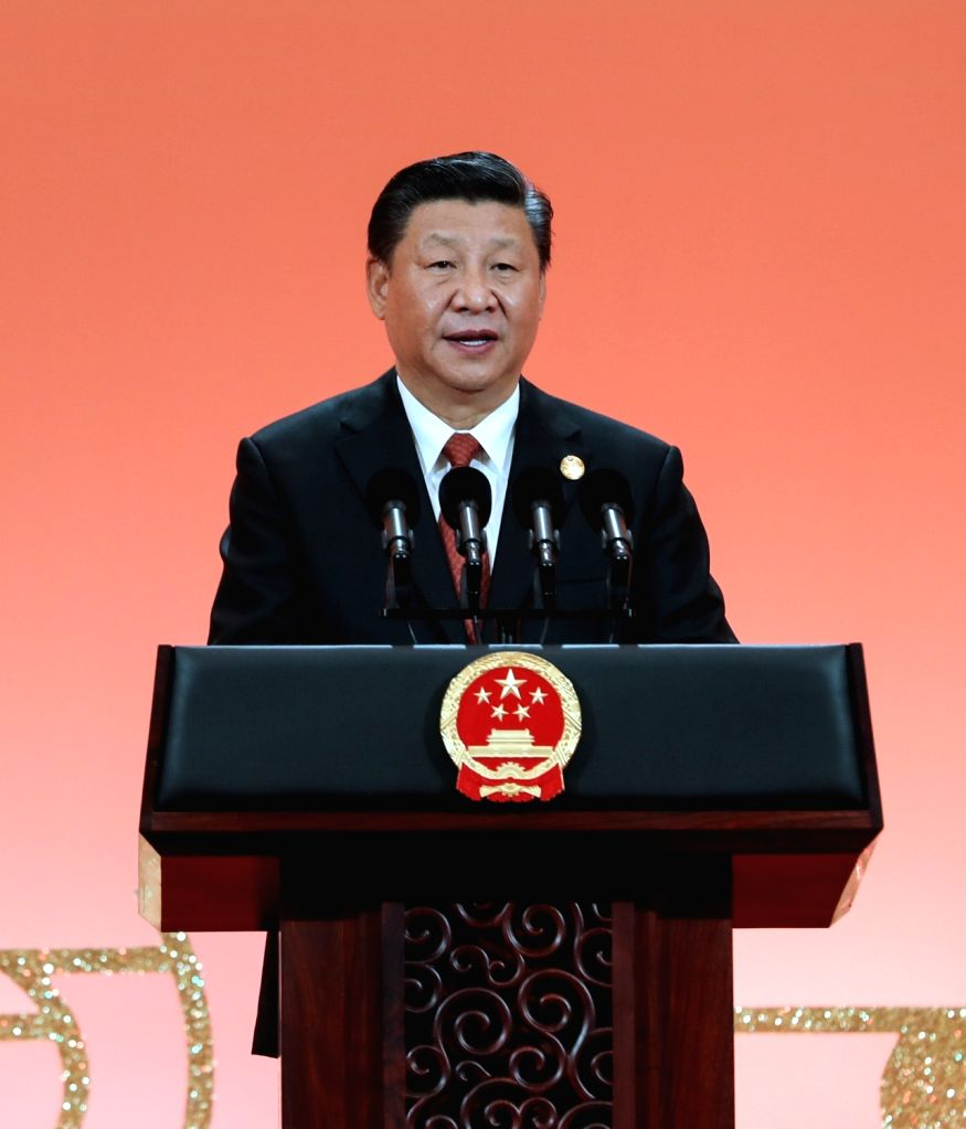 SHANGHAI, Nov. 4, 2018 - Chinese President Xi Jinping addresses a banquet in Shanghai, east China, Nov. 4, 2018. Xi Jinping and his wife Peng Liyuan hosted a banquet on Sunday evening in Shanghai to ...