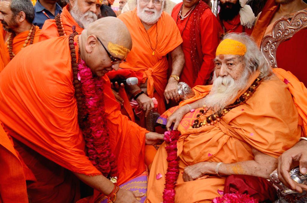 Shankaracharya Swami Swaroopanand Saraswati during the ordination ceremony of Shree Panchayati Akhada Niranjani in Varanasi, on March 13, 2019.