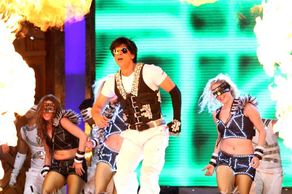 Sharukh Khan at Apsara Awards in Chitrakot Grounds. - Sharukh Khan