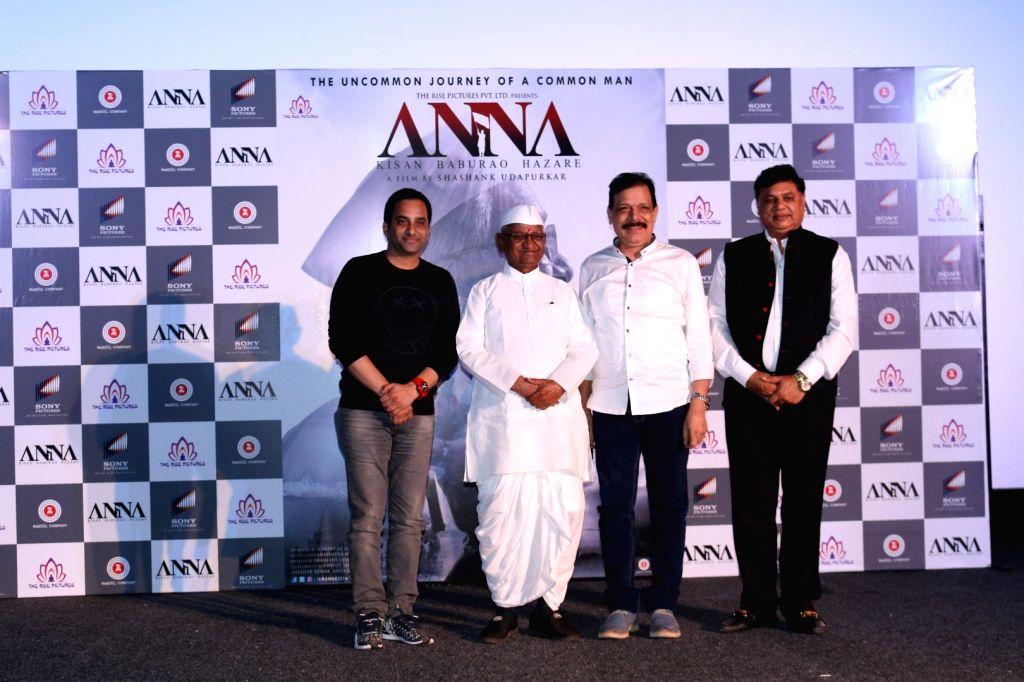 Shashank Udapurkar, social activist Anna Hazare, Govind Namdev and filmmaker Manindra Jain during the trailer launch of film Anna: Kisan Baburao Hazare in Mumbai on Sept. 24, 2016. - Manindra Jain