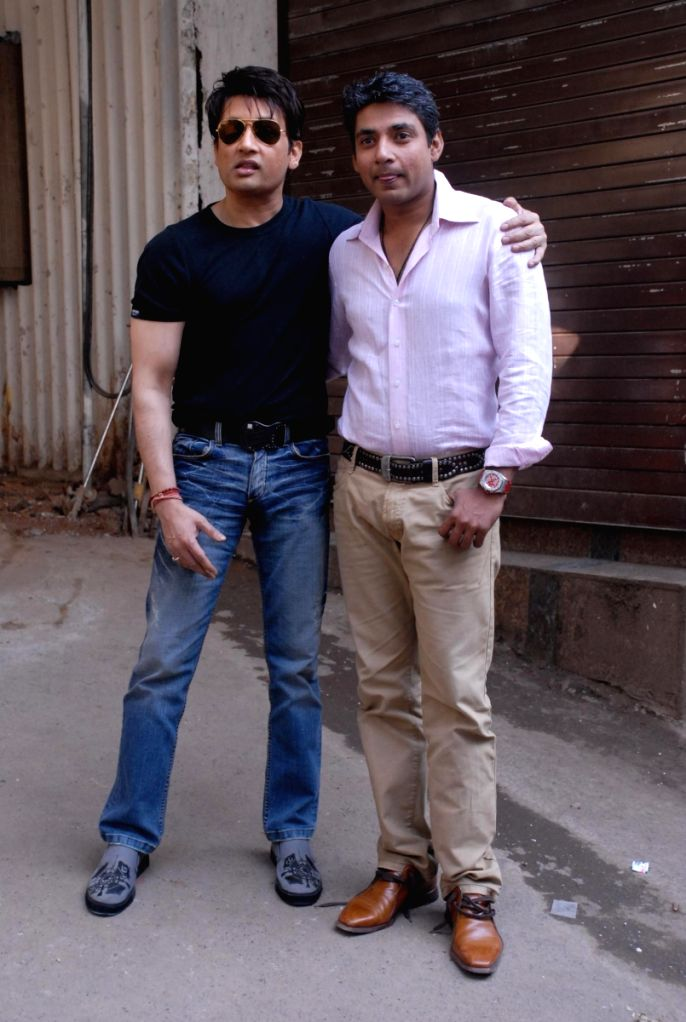 Shekhar Suman and Ajay Jadeja on the sets of Comedy Circus. - Shekhar Suman and Ajay Jadeja