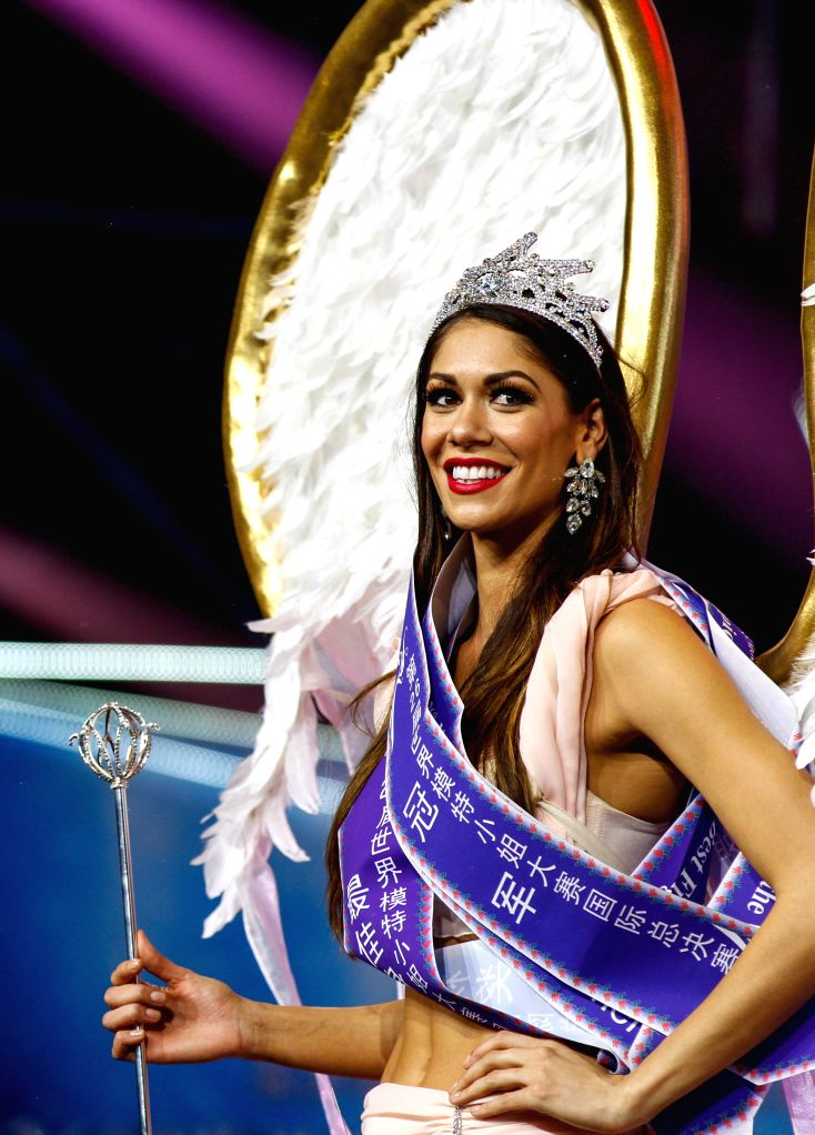 Shenzhen (China): Crowned U.S. model Shelynne Hoyt performs during the contest in Shenzhen, China, on Nov. 29, 2014. U.S. model Shelynne Hoyt was crowned at the 26th Miss Model of the World ... - Shelynne Hoyt