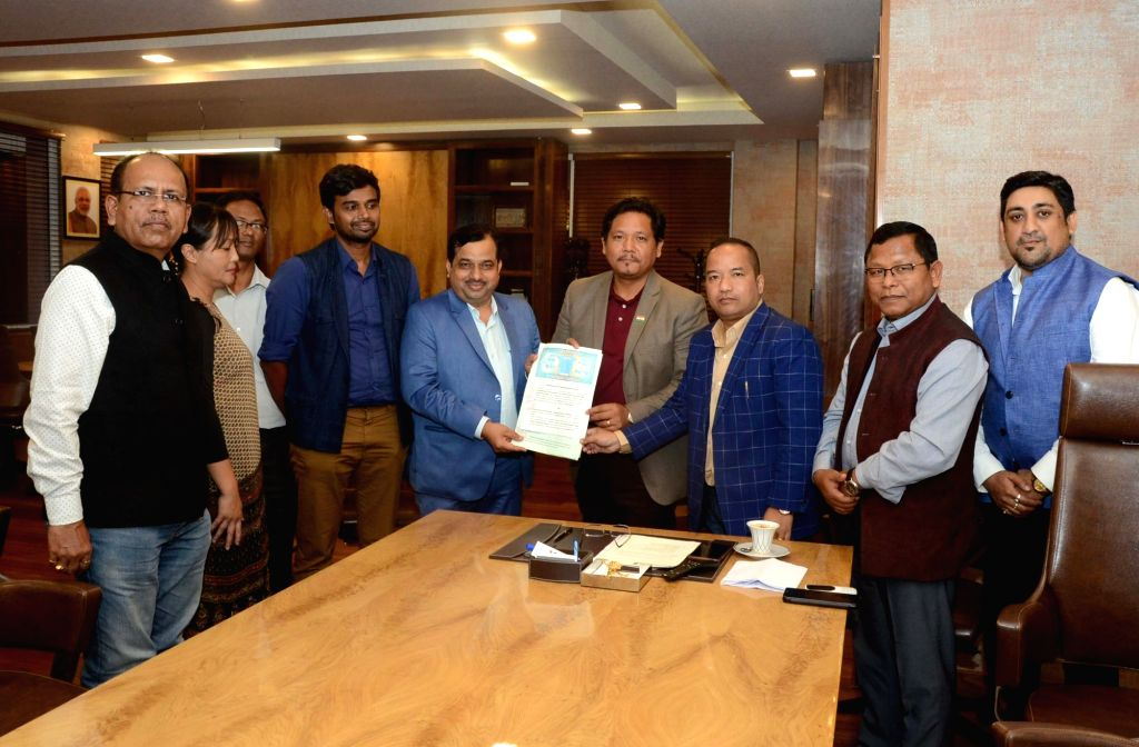 Shillong: Meghalaya Chief Minister Conrad Sangma, Sports and Youth Affairs Minister Banteidor Lyngdoh and other officials of the sports department at the signing of an MoU between the state's Department of Sports and Youth Affairs and Hindustan Steel - Conrad Sangma