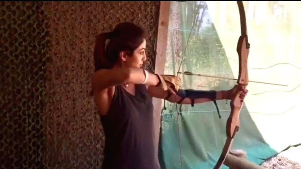 Shilpa Shetty tries archery in new video post - Shilpa Shetty