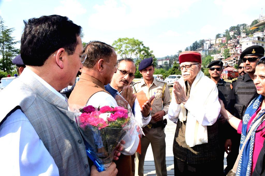 Shimla: Former Deputy Prime Minister and veteran BJP leader L.K. Advani being welcomed on his arrival in Shimla, on June 22, 2019. (Photo: IANS) - K. Advani