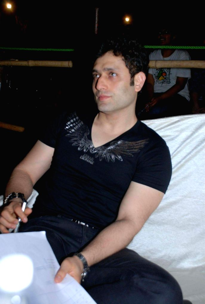 Shiney Ahuja at college fest organised by Rennaisance Federation.