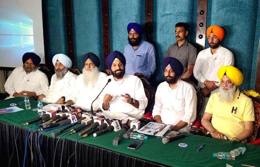 Shiromani Akali Dal (SAD) leader Bikram Singh Majithia addresses a press conference in Amritsar, on Sep 26, 2019. - Bikram Singh Majithia