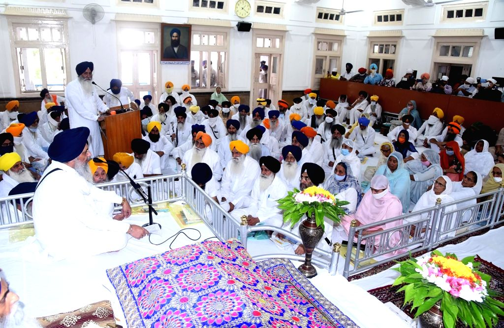 Shiromani Gurdwara Parbandhak Committee (SGPC) general house including its president Gobind Singh Longowal and other office bearers during the presentation of the annual budget of SGPC for ... - Gobind Singh Longowal