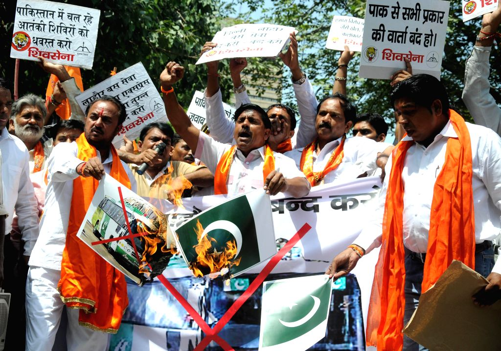 Shiv Sena activists demonstrate against Pakistan and to press for stopping of Indo-Pak bus services in New Delhi on Aug 25, 2014.