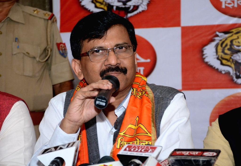 Shiv Sena leader Sanjay Raut addresses a press conference in Lucknow on Oct 5, 2016.