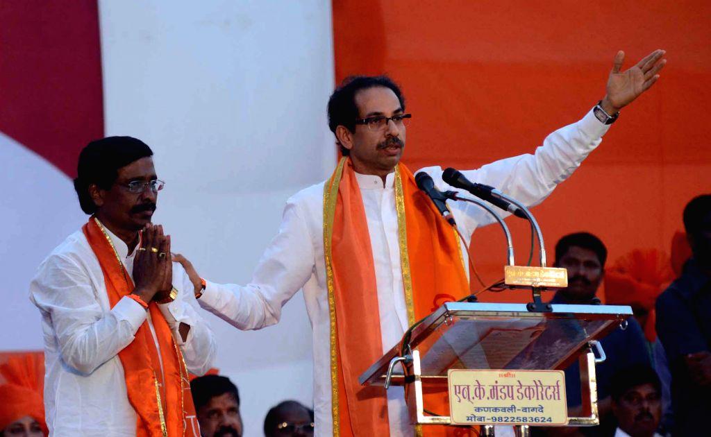 Shiv Sena president Uddhav Thackeray campaigns for party's candidate for 2014 Lok Sabha Election from Ratnagiri-Sindhudurg parliamentary constituency, Vinayak Raut in Sindhudurg of Maharashtra on April 13, 2014. (Photo: Sandeep Mahankal/IANS)