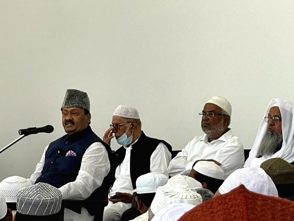 Shivanoor : Mohammed Ali Shabbir, along with eminent Islamic scholar Molana Shah Muhammad Jamal-ur-Rahman and other religious leaders laid the foundation for Holy Quran Research Centre and ...