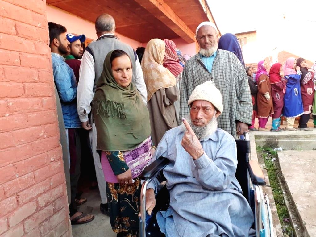 Shopian (J&K): A voter shows his inked finger after casting his vote for the fifth phase of 2019 Lok Sabha elections, at Wuder of Jammu and Kashmir's Shopian on May 6, 2019.