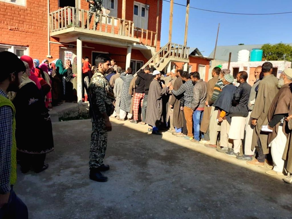 Shopian (J&K): Voters queue up at a polling station to cast their votes for the fifth phase of 2019 Lok Sabha elections, at Wuder of Jammu and Kashmir's Shopian on May 6, 2019.