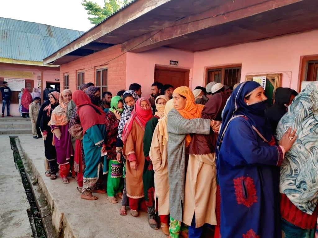 Shopian (J&K): Voters queue up at a polling station to cast their votes for the fifth phase of 2019 Lok Sabha elections, at Wuder of Jammu and Kashmir's Shopian on May 6, 2019. (Photo: IANS/PIB)