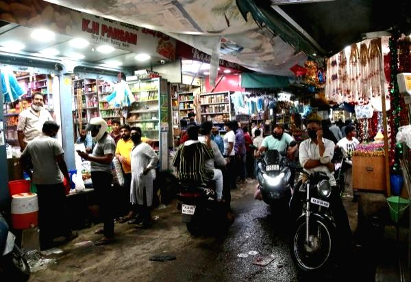 Shopping complexes to open, malls to remain shut in Lucknow.
