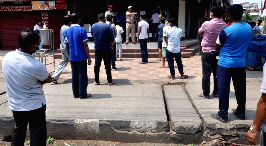 Shops reopen in MP, people queue up to buy essentials