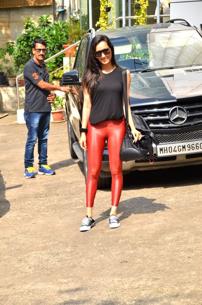Shraddha Kapoor spotted at dance class in Andheri. - Shraddha Kapoor