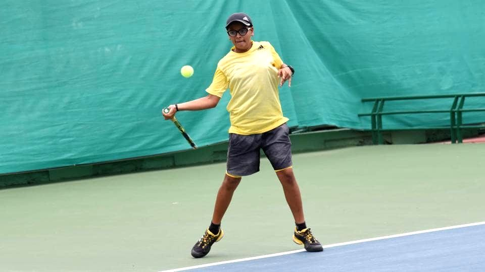 Shruti Ahlawat in action against Hannah Nagpal in Girls U-14 category of the Fenesta Open Junior National Tennis Championship, in New Delhi on Oct 9, 2019.
